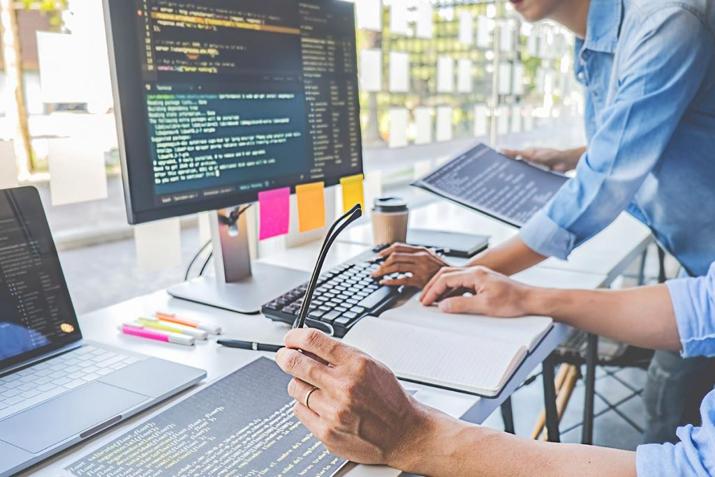 Using Software Development Services for Exploring New Business opportunities